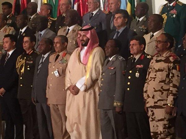 ولي ولي العهد متوسطا اركان التحالف الاسلامي العسكري
