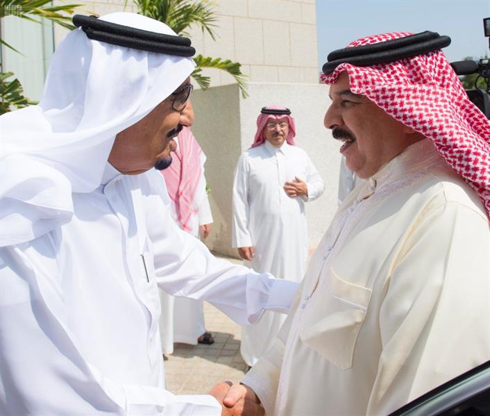 خادم الحرمين الشريفين يستقبل ملك مملكة البحرين ويقيم مأدبة غداء تكريما له