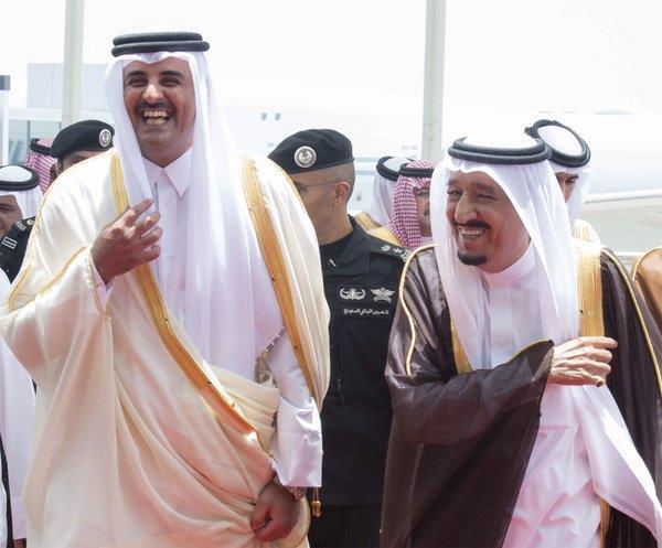 خادم الحرمين وامير قطر