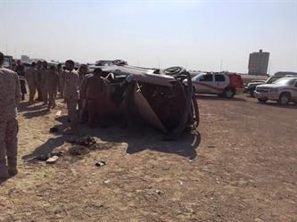 انقلاب مركبة عسكرية تتسبب في وفاة جندي وإصابة 7 بالدمام (صور)