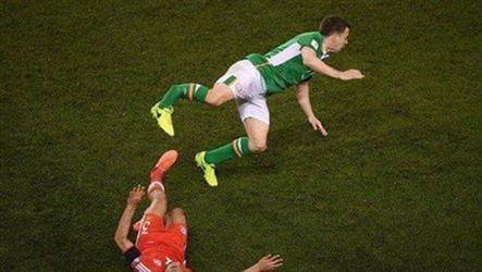 """بالفيديو.. إصابة مروِّعة للاعب المنتخب """"الإيرلندي"""""""