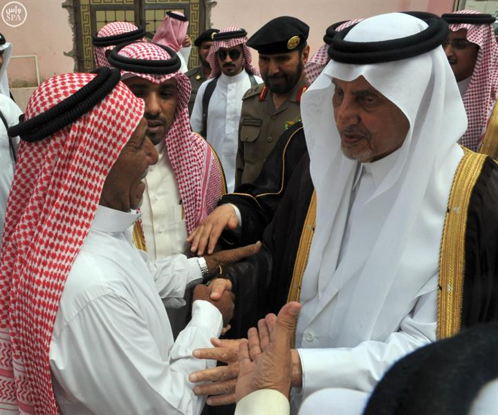 سمو أمير منطقة مكة ينقل تعازي خادم الحرمين الشريفين لأسرة الشهيد المالكي