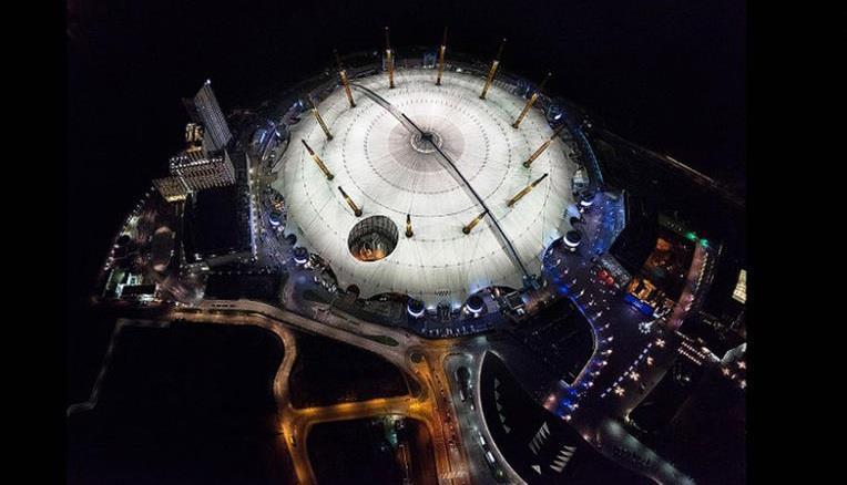 """صورة جوية لحلبة """"O2""""، حيث تقام مختلف الفعاليات الرياضية والفنية في لندن."""