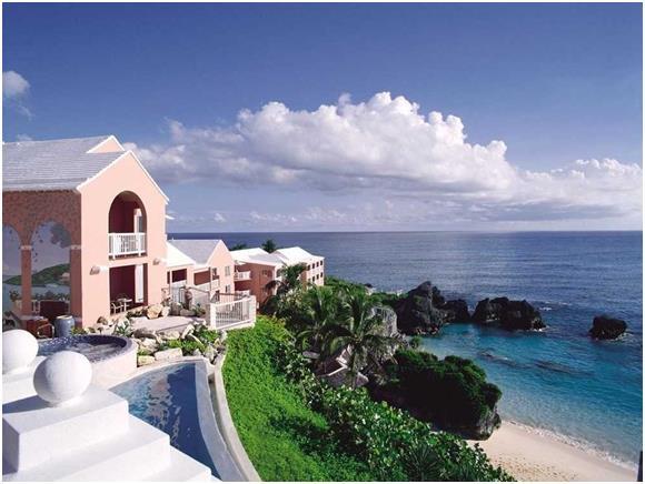 """أما جزيرة """"برمودا""""، فجاءت في المركز الرابع، حيث قد يصل سعر الغرفة الفندقية إلى 473 دولارّا هناك."""