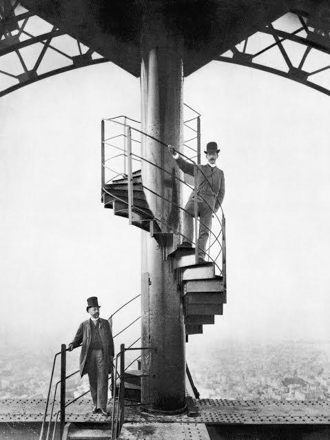 """بالصور: مراحل بناء """"برج إيفل"""" وحقائق لا يعلمها الكثيرون عنه"""