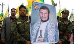 """""""خلفان"""" يتوقع مقتل زعيم الحوثيين أو إصابته بجروح خطيرة"""