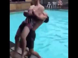 مزاح بين شخصين على مسبح ينتهي بمأساة مؤلمة