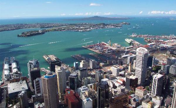 9- أوكلاند ــ نيوزلندا: تكاليف المعيشة الشهرية: 2766 دولاراً.