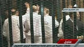 تأجيل محاكمة مرسي وقياديين آخرين في قضية التخابر لـ 6 مايو