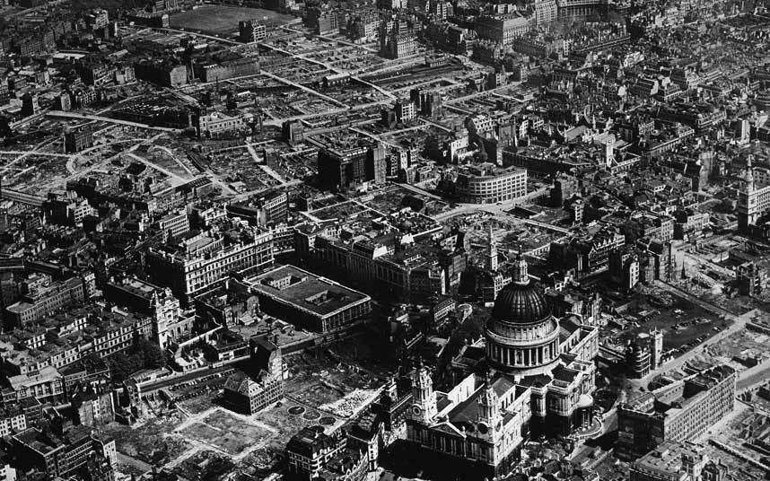 """10 - لندن ــ بريطانيا:  تعرضت """"لندن"""" للهجوم 71 مرة من جانب القوات الألمانية خلال الحرب العالمية الثانية في محاولة لإضعاف الروح"""