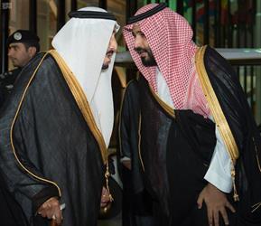 خادم الحرمين يغادر الرياض متجها إلى جدة