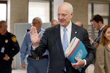 دي ميستورا يحث على تسريع المحادثات السورية لتجنب عام سابع من الحرب