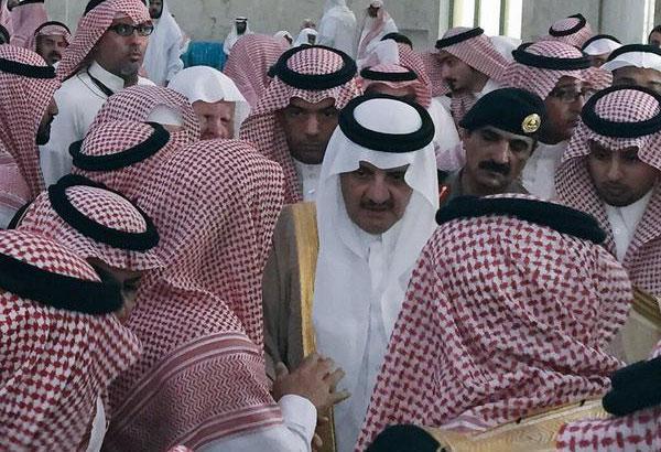 بالصور.. سعود نايف يتقدم جموع