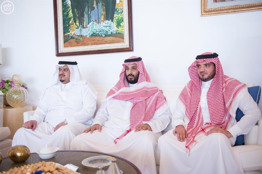 بالصور.. خادم الحرمين يستقبل الرئيس اليمني ويبحث معه أوضاع اليمن
