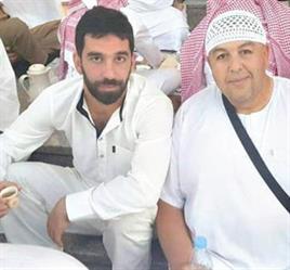 توران يروي قصة ما بعد العمرة: (أبو سروال وفنيلة) خدعوني