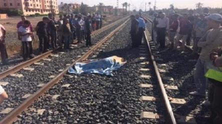 """وفاة مواطن """"عشريني"""" تحت عجلات قطار في مصر"""