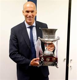 زيدان مرشح لجائزة أفضل مدرب في العالم