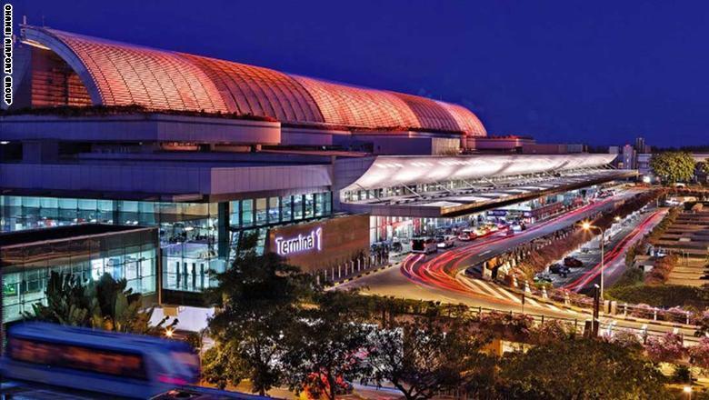 1. مطار شانغي سنغافورة