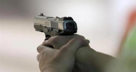 """""""عشريني"""" يقتل """"أربعينية"""" بطلق ناري في منزلها بأبها"""