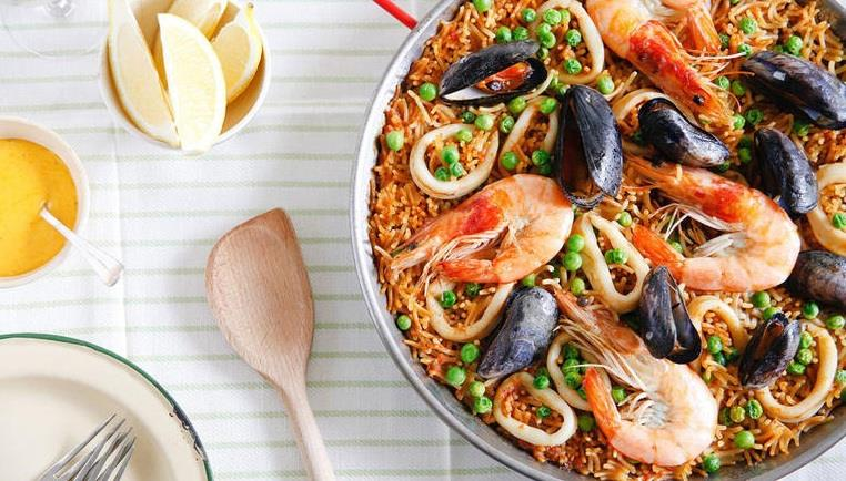 لا تفوتوا هذه الأطباق في رحلتكم المقبلة إلى إسبانيا!