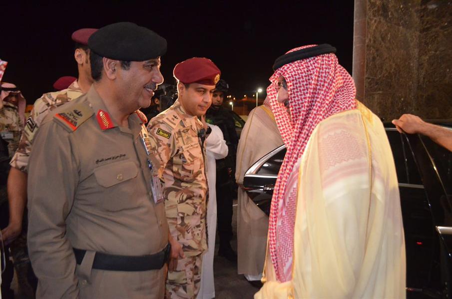 الأمير محمد بن نايف يقف على سير العمل في مركز العمليات الأمنية الموحدة بمكة