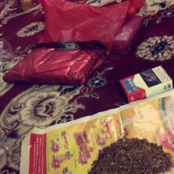 مكافحة المخدرات تلقي القبض على مروج سوري  يلقب نفسه عوكة (صور)