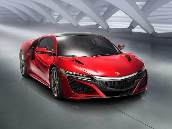 """تقدم شركة """"أكورا"""" اليابانية أحدث نموذج لسيارة أكورا NSX، وهي سيارة هجين مزودة بمحرك """"VS"""" سعته 3,5 لتر، إضافة إلى ثلاثة محركات"""
