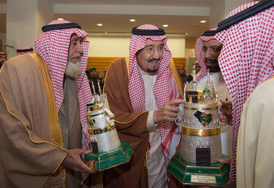 خادم الحرمين يرعى سباق الخيل على كأس الملك عبدالعزيز