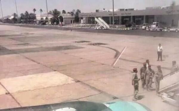 طيار سعودي يقرر العودة للمطار
