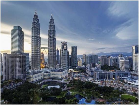 كوالا لامبور في ماليزيا، وتبلغ تكلفة الفرد في المتوسط خلال يوم: 114,83 دولار.