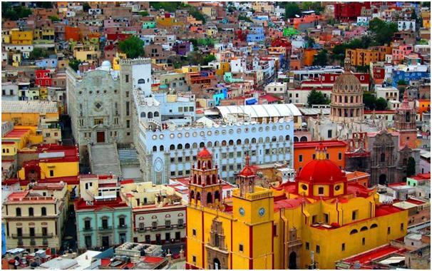 بالصور..تعرف على أكثر الأماكن الملونة في العالم 621a4865-abff-4b77-8