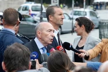 """وزير الداخلية الفرنسي: مهاجم نوتردام كان يصيح """"هذا من أجل سوريا"""""""
