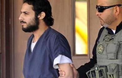 السجين خالد الدوسري يلتقي في سجنه بفريق الدفاع.. ومحاميه يكشف عن تردي حالته الصحية