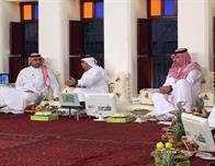 """بالفيديو.. تركي بن عبدالله وابن مساعد يفاجئان برنامج """"المجلس"""" بالزيارة على الهواء"""