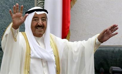 احكام بسجن ثلاثة أفراد من آل الصباح بتهمة الاساءة لأمير الكويت