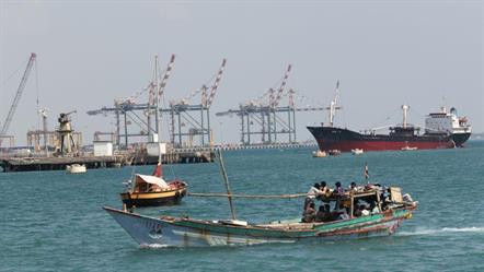 اليمن: تعرض 63 سفينة محملة بمواد إغاثية للنهب من قبل الحوثيين