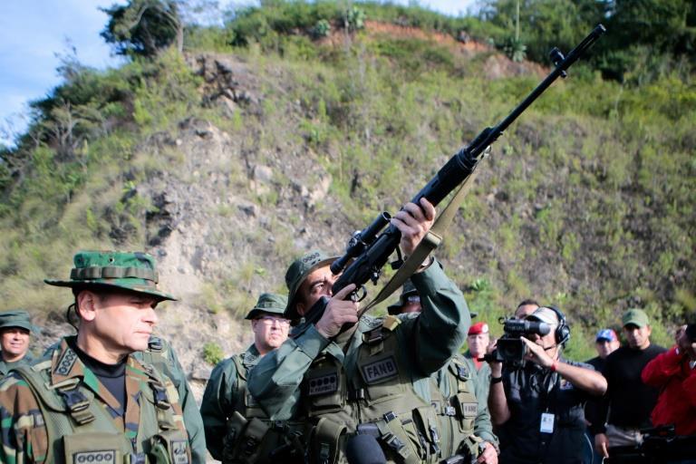 """مناورات عسكرية ضخمة في فنزويلا لمواجهة """"التهديد"""" الاميركي"""