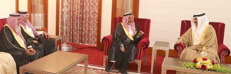 بالصور.. ملك البحرين يستقبل الشيخ طالب بن شريم المري