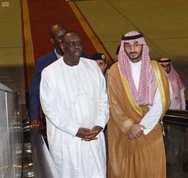 رئيس جمهورية السنغال يصل إلى جدة