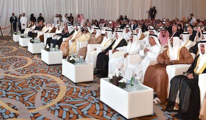 """محمد بن راشد"""" يكرّم """"قياس"""" كأفضل مبادرة لتعليم اللغة العربية"""