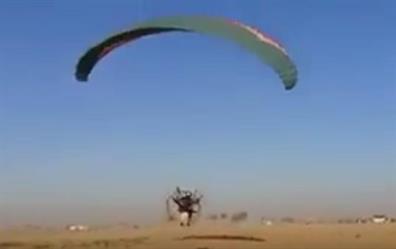 شاهد.. فقدان فتاة في بلدة جنوب الرياض.. ومتطوعون يستنفرون للبحث عنها بمشاركة الطيران الشراعي