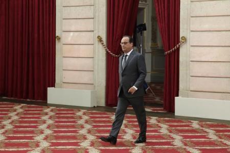 فرنسا تبدأ طلعات استطلاع فوق سوريا الثلاثاء وتبحث توجيه ضربات جوية