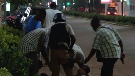 17 قتيلا في هجوم شنه متشددون على مطعم تركي في بوركينا فاسو