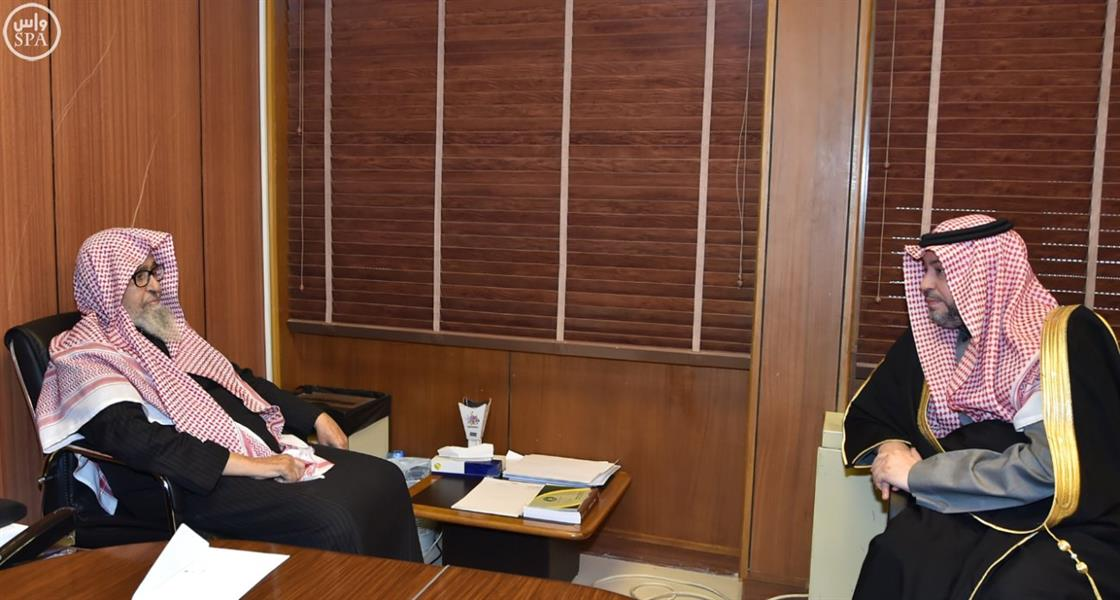 فتي عام المملكة والشيخ الفوزان يستقبلان نائب وزير الشؤون الإسلامية