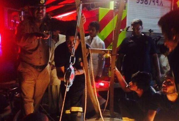 """""""مدني الحناكية"""" ينتشل جثتي مقيمين متوفين داخل بئر"""
