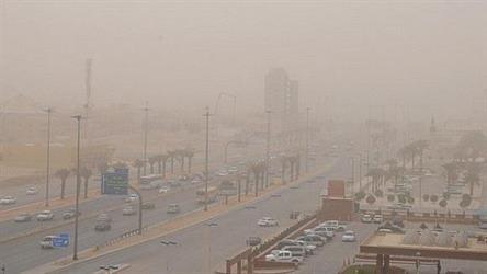 أتربة وغبار في الرياض والشرقية حتى عصر الجمعة