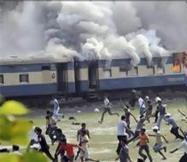 26 قتيلا في حريق بقطار سريع في الهند