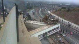 أكثر من عشرة قتلى في حادث خروج قطار عن سكته في إسبانيا