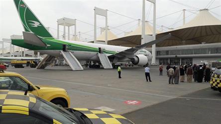 إخماد حريق اندلع في إطارات طائرة عراقية بمطار الملك عبدالعزيز الدولي بجدة