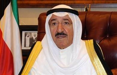 أمير الكويت يعزي خادم الحرمين في استشهاد عسكريين سعوديين بمأرب